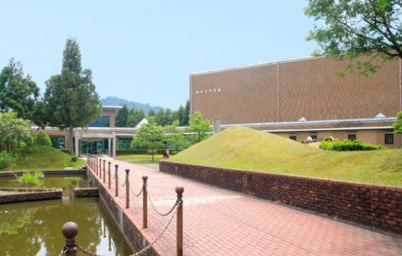 南条図書館(外観)